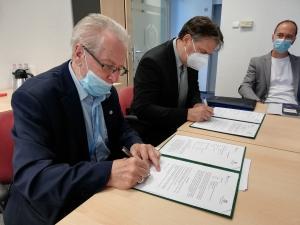 Együttműködés a Magyar Hidrogén és Tüzelőanyag-cella Egyesülettel